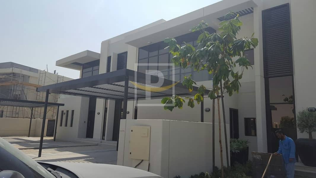 Just Listed | Semi Detached Modern Style Townhosue | 3 Bedroom + Maids | Rockwood