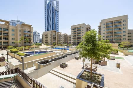 2 Bedroom Flat for Sale in The Greens, Dubai - Pool views | Study Room | Prime location