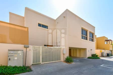 3 Bedroom Villa for Sale in Al Raha Gardens, Abu Dhabi - Vacant Big Layout 3 Bedrooms  Villa Type S