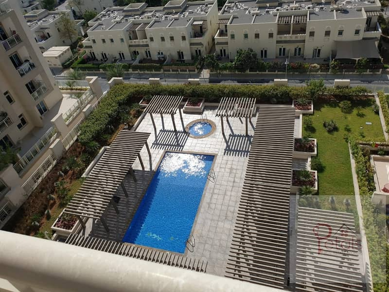 2 NEAR METRO POOL VIEW ONE BED ROOM