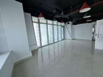 مکتب  للايجار في الخليج التجاري، دبي - Partitioned | Bath & Pantry | Near Metro | Call Now
