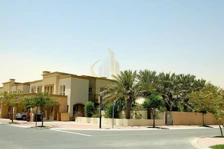فیلا 3 غرف نوم للايجار في الينابيع، دبي - Upgraded 3BR+Maids and Study | Fully Developed Garden with Palm Trees