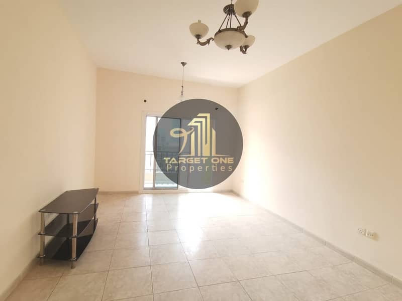 STUDIO WITH BALCONY| NO SEPERATE CHILLER| BRIGHT| with  Kitchen appliances