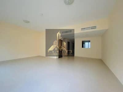 فیلا 3 غرف نوم للبيع في المدينة العالمية، دبي - Single Row | Bright & Shine  | 3 BR + Maids Room | Warsan Villa |