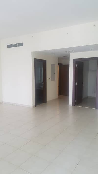 4 Bedroom Apartment for Rent in Business Bay, Dubai - Executive Tower - H | Large 4 B/R | Maids Room | Laundry | Rent 170-K