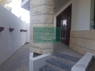 6 Bedroom Villa for Rent in Al Khalidiyah, Abu Dhabi - Nice 6 Bed corner villa Near Bateen Mall