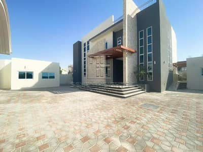 5 Bedroom Villa for Sale in Shakhbout City (Khalifa City B), Abu Dhabi - Luxurious Villa 5BR | Fabulous Space Garden With Amazing Landscapes.