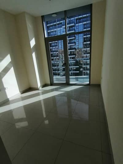 3 Bedroom Apartment for Rent in Dubai Marina, Dubai - Marina , 3 b/r with chiller free , 4 cheques , balcony , high floor , partial marina view
