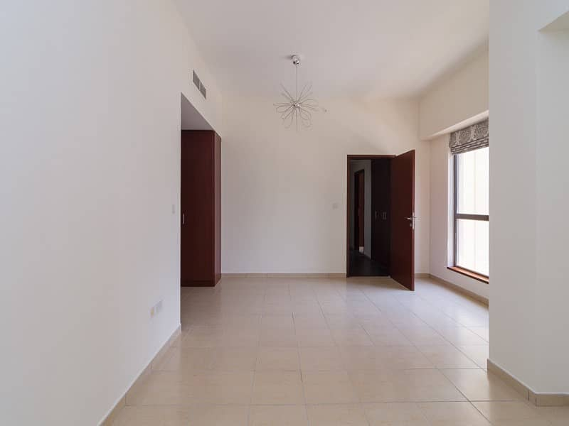2 Vacant on Transfer | 3 Bed with Balcony | Sadaf 5