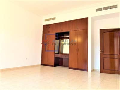 4 Bedroom Villa for Rent in Jumeirah, Dubai - Canal Facing New Villa With Attractive Beautiful View