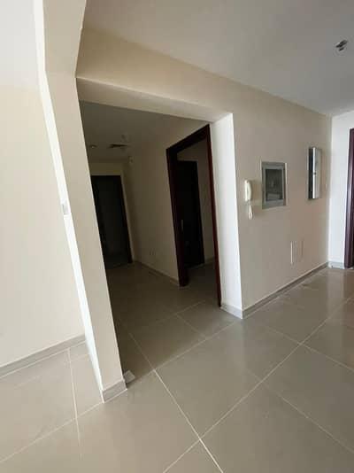 شقة 2 غرفة نوم للايجار في كورنيش عجمان، عجمان - شقة في برج الكورنيش كورنيش عجمان 2 غرف 45000 درهم - 5118386