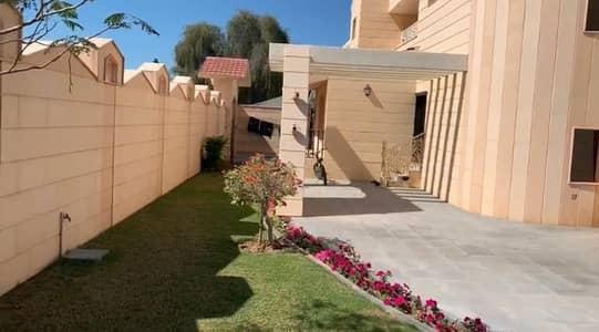 Luxury Villa In Al Turfa Area 9000. Sqft 3.2 Million 5 Master Room For Sale