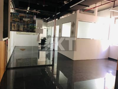 Office for Rent in Business Bay, Dubai - 55 k / Fitted Office With 3  Partitions & Big Work Station  / Executive Bay  / Business Bay
