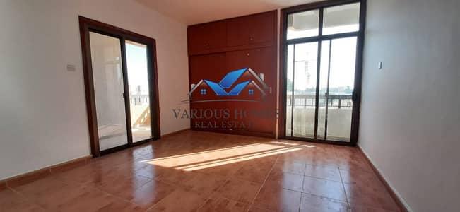 فلیٹ 2 غرفة نوم للايجار في الوحدة، أبوظبي - Exellant  One Month Free  2BHK Apartment With Wadrobe & Balcony 50k Central Ac Near Al Wahda Mall Airport Road