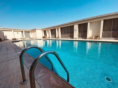 شقة 1 غرفة نوم للايجار في شارع الفلاح، أبوظبي - شقة في برج المرجان شارع الفلاح 1 غرف 54999 درهم - 5119946