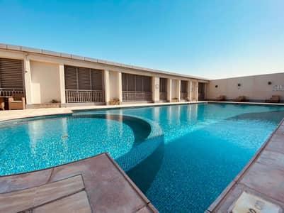شقة 2 غرفة نوم للايجار في دانة أبوظبي، أبوظبي - شقة في برج المرجان دانة أبوظبي 2 غرف 84999 درهم - 5119968