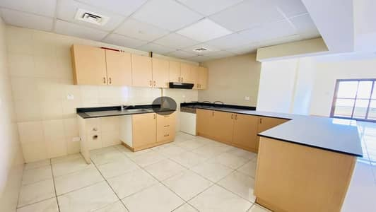 2 Bedroom Flat for Rent in Jumeirah Village Circle (JVC), Dubai - Spacious | American Kitchen | Prime Location