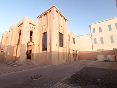 فیلا 7 غرف نوم للايجار في المقام، العین - فیلا في المقام 7 غرف 150000 درهم - 5121249