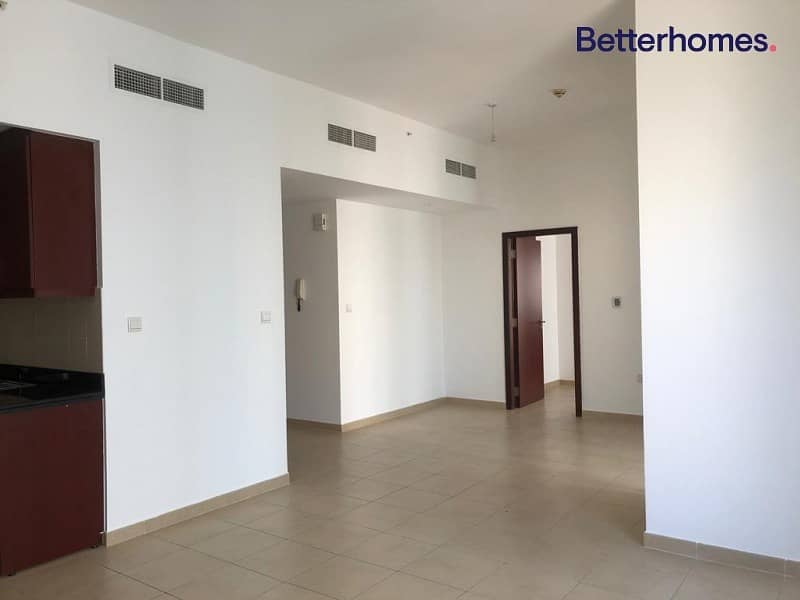2 Partial Seaview  | Negotiable  | 6 Cheques