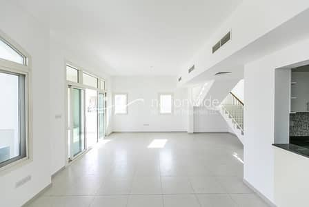 3 Bedroom Villa for Sale in Al Ghadeer, Abu Dhabi - Beautiful Villa Perfect As Your Next Family Home