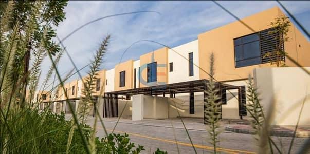 فیلا 3 غرف نوم للبيع في السيوح، الشارقة - own your luxury town house with zero service charge - 5% DOWN PAYMENT