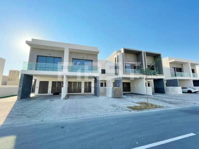 2 Bedroom Townhouse for Rent in Yas Island, Abu Dhabi - Vacant | Excellent Single Row Townhouse.