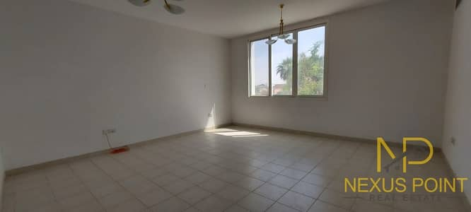 فیلا 4 غرف نوم للايجار في جميرا، دبي - Reduced Price | 4BR+maid's Compound Villa