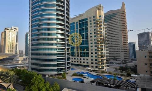 Stunning Marina View // Top Floor // Penthouse