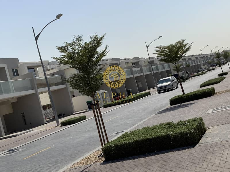 10 Amazing 3bedroom townhouse for 43k