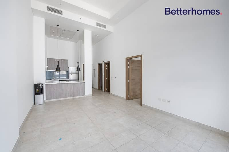 2 Large & Spacious   Luxurious   Vacant Now