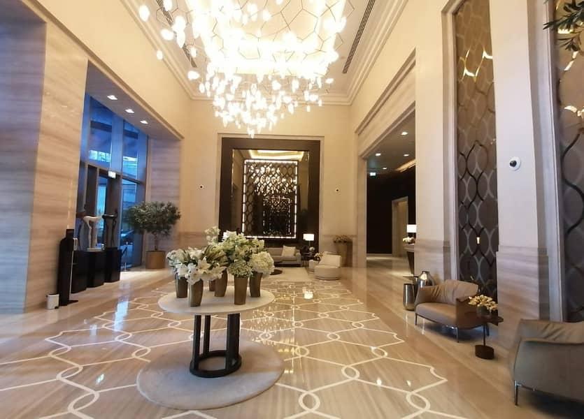 25 Luxurious 2BR Burj Khalifa