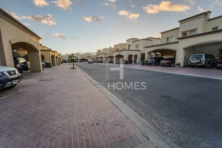 3 Bedroom Villa for Sale in The Springs, Dubai - Lake View|Upgraded|Large Garden