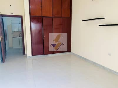 Studio for Rent in Electra Street, Abu Dhabi - SPACIOUS STUDIO NEAR LLH HOSPITAL INCLUDING ELECTRICITY & WATER MONTHLY 2800/-