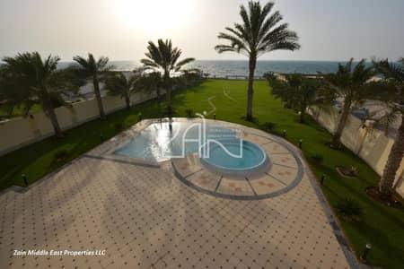 فیلا 4 غرف نوم للبيع في قرية مارينا، أبوظبي - Full Sea View 4 BR Villa on Huge Plot with Pool..