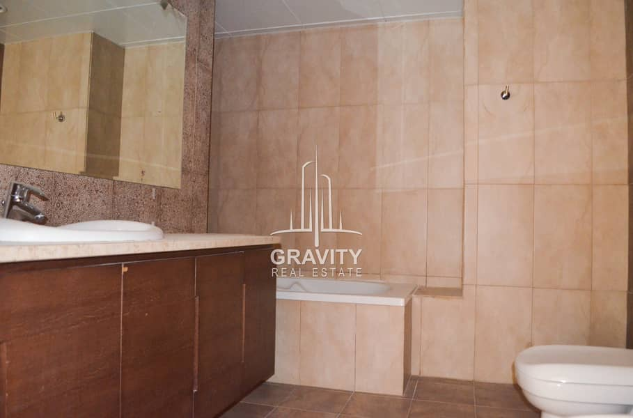 19 Lovely 4BR Townhouse Excellent Home for Family