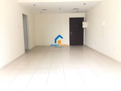 فلیٹ 2 غرفة نوم للايجار في مدينة دبي الرياضية، دبي - Close Kitchen-Good Price-Unfurnished-2BHK-Royal Residence-DSC