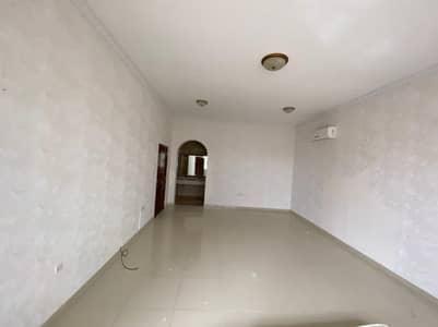 4 Bedroom Villa for Rent in Shakhbout City (Khalifa City B), Abu Dhabi - , villa, private entrance   small backyard,split