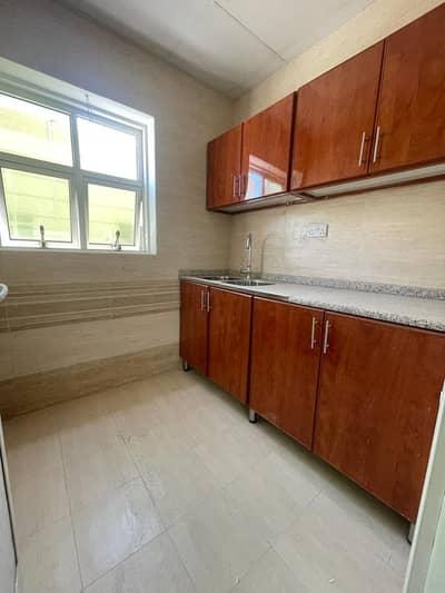 شقة 1 غرفة نوم للايجار في بني ياس، أبوظبي - شقة في بني ياس شرق بني ياس 1 غرف 36000 درهم - 5113616