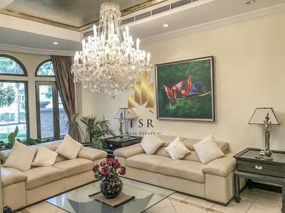 3 Bedroom Villa for Sale in Palm Jumeirah, Dubai - Pool and Community View | Well Maintain | Palm Jumeirah