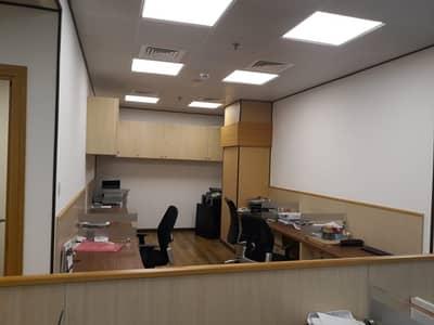 مکتب  للبيع في الخليج التجاري، دبي - Glass Partition [ Wood On Floor]  Only For Investment Call Now