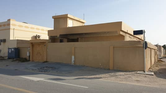 3 Bedroom Villa for Sale in Al Qadisiya, Sharjah - Villa For Sale in Al Al Qadisiya - Sharjah