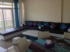 Sea view 2bhk for sale  in horizon tower with parking