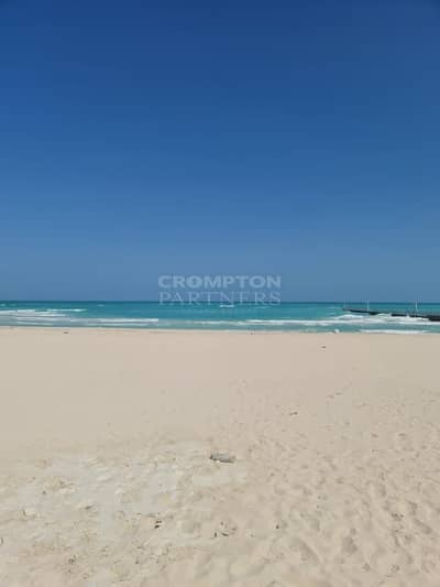 فیلا 7 غرف نوم للبيع في جزيرة السعديات، أبوظبي - Huge Beach Front Villa|Shell &Core |Private Beach