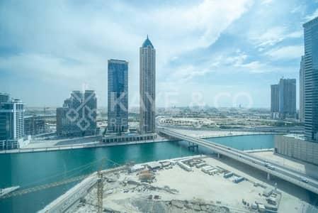 مکتب  للبيع في الخليج التجاري، دبي - Lake View   Mid Floor   Fully Fitted Office