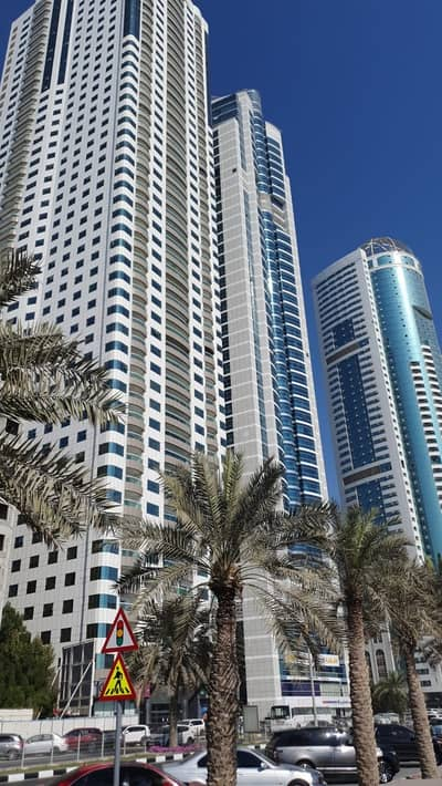 3 Bedroom Flat for Sale in Al Mamzar, Sharjah - Flat for sale - large area - 3   rooms - Al Mamzar Lakes