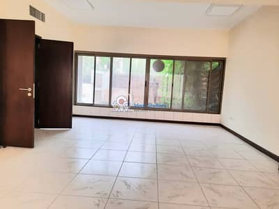 فیلا 3 غرف نوم للايجار في القرهود، دبي - Semi-independent ! Out Class Lavish 3 BR Villa Maid Room ! Private Garden ! Rent 110k