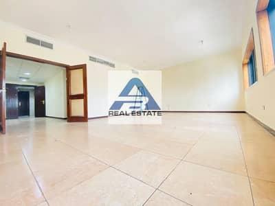 فلیٹ 3 غرف نوم للايجار في شارع الكورنيش، أبوظبي - Enjoy 3 bhk Near to Corniche ! Maids Rm & Store Room