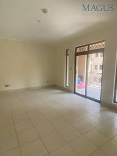 Specious 1Br for Sale| Old Town| Reehan 4