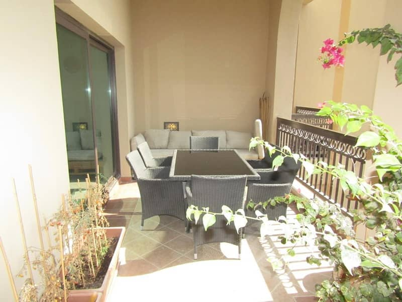 Spacious 4 bed plus maids | Unfurnished | Vacant