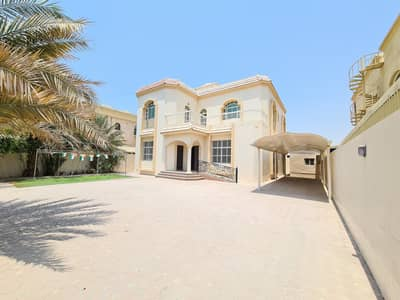 Luxury 5bhk villa for family rent 95k in 4cheque in Al yash area
